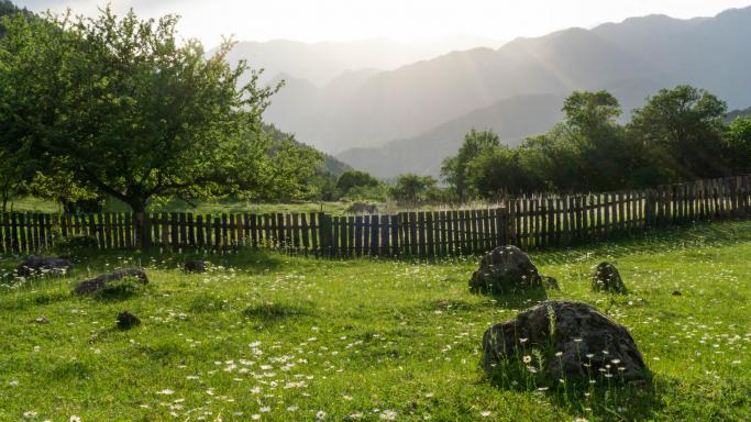 От села Чобишеви к озерам Кахиси, Чито и Церо